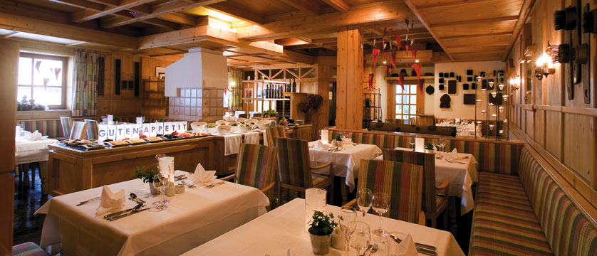Hotel Glemmtalerhof, Hinterglemm, Austria - Restaurant.jpg